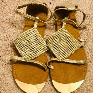 Muk Luks Linzie Sandals Size 9